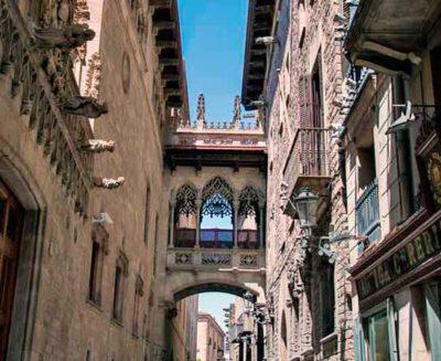 Te facilitamos el proceso de admisión en Barcelona