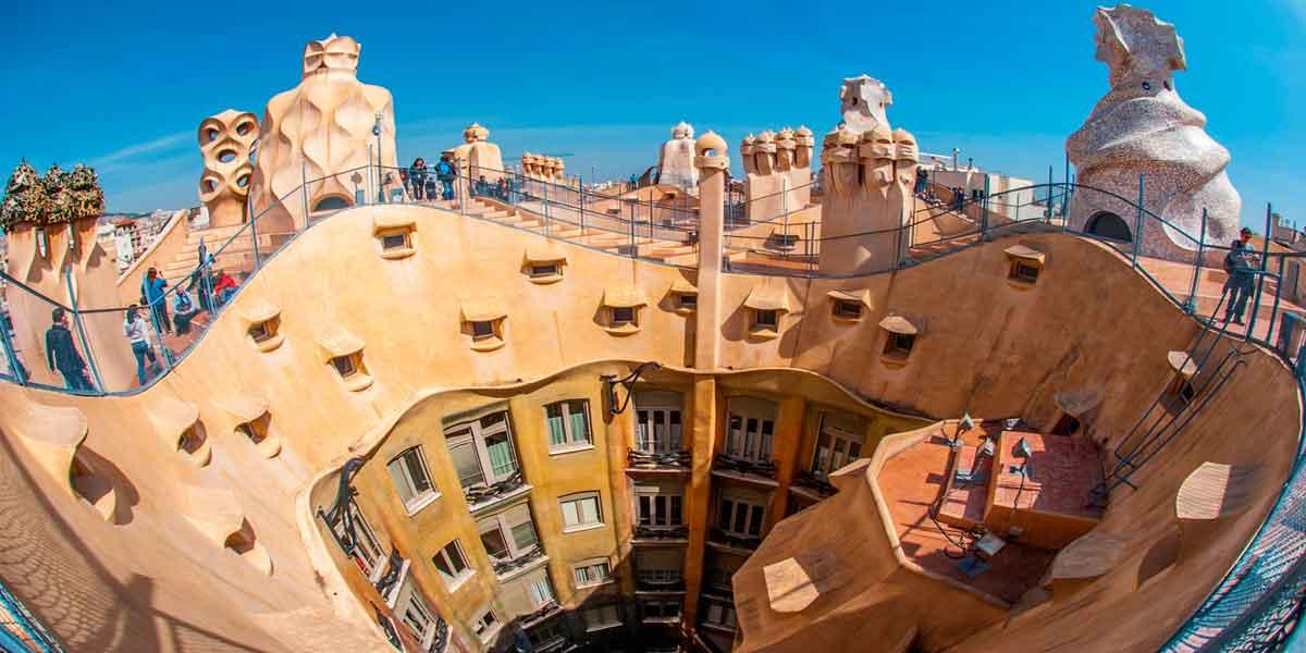 Fachada Gaudí Barcelona
